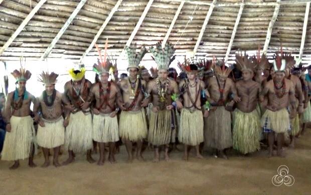 Tribo Puyanawa celebrou dia do Índio com cantos e danças típicas da comunidade (Foto: Bom Dia Amazônia)