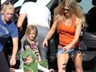 Que fofo! Filho de Fergie e Josh Duhamel usa fantasia de dragão