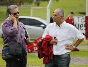 Diretores de futebol Luís César Souto de Moura e Marcelo Medeiros (Foto: Diego Guichard / GLOBOESPORTE.COM)