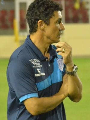 Técnico Betinho Confiança (Foto: João Áquila / GloboEsporte.com)
