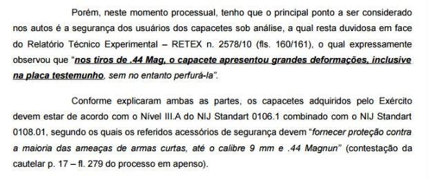 Trecho de decisão liminar que suspendeu compra de capacetes pelo Exército Brasileiro (Foto: Reprodução)