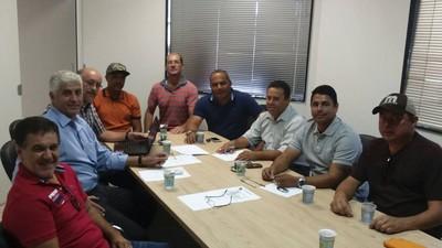 Diretores do Misto em reunião com patrocinadores (Foto: Divulgação/Misto)