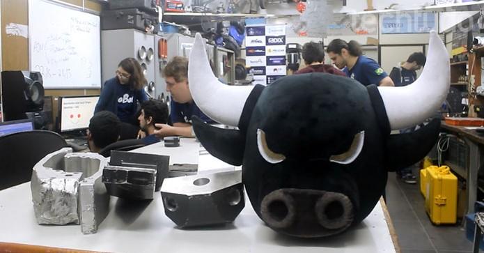 RioBotz hoje trabalha como uma empresa, com alunos de diversos cursos (Foto: Isabela Giantomaso/TechTudo)