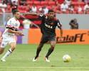 """Márcio Araújo não liga para falta de elogios no Fla: """"Apareço menos"""""""