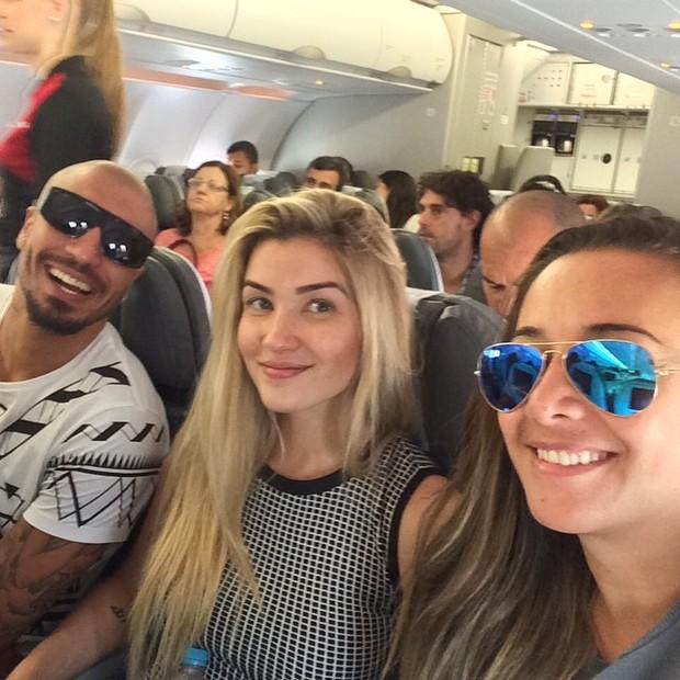 Fernando Medeiros, Aline Gotschalg e a assessora, Gis de Oliveira (Foto: Reprodução / Instagram)