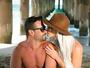 Laura Keller compartilha momento romântico com o marido na web