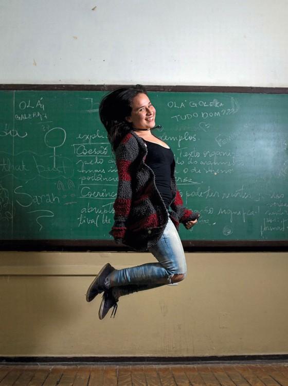 Laura Bueno,16 naos,participou da ocupação na Fernão Dias Paes,onde atualmente cursa o 3 ano do ensino médio (Foto:  Emiliano Capozoli/ÉPOCA)
