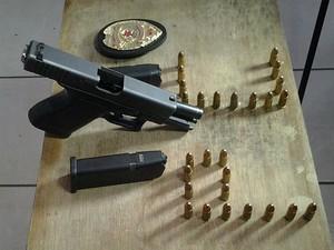 Glock apreendida em Juiz de Fora (Foto: Polícia Civil/Divulgação)