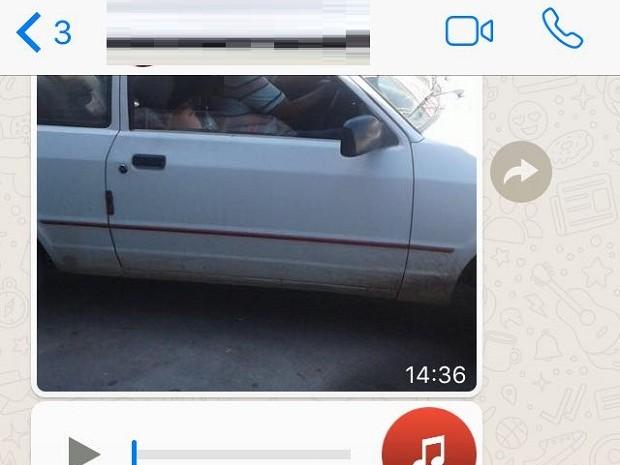 Áudios e fotos de carro branco com casal dentro com boato de sequestro foram compartilhados nas redes sociais (Foto: Reprodução/WhatsApp)