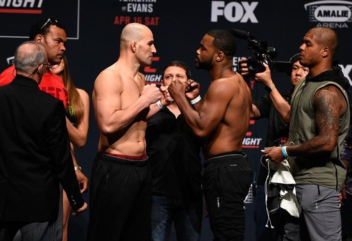 Glover Teixeira e Rashad Evans encarada pesagem UFC Tampa (Foto: Getty Images)