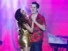 Anitta dança coladinha com Rogério Flausino em show