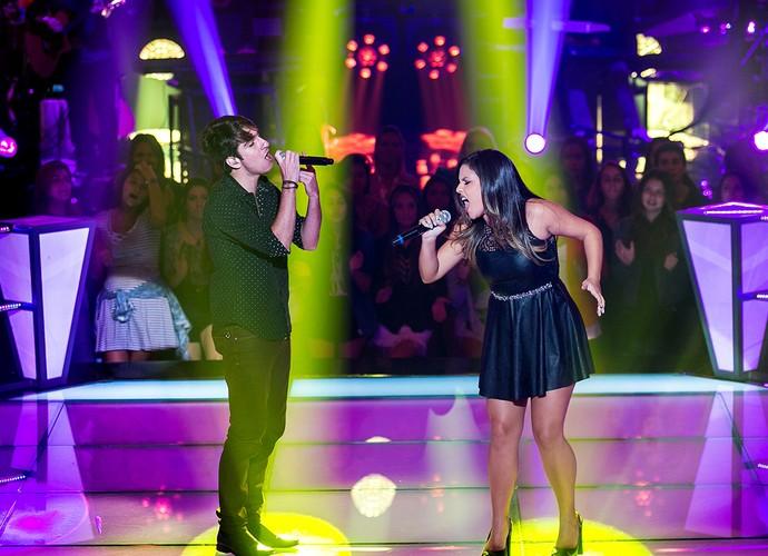 Eduardo Camiletti e Mali duelam no palco do The Voice Brasil (Foto: Isabella Pinheiro/Gshow)