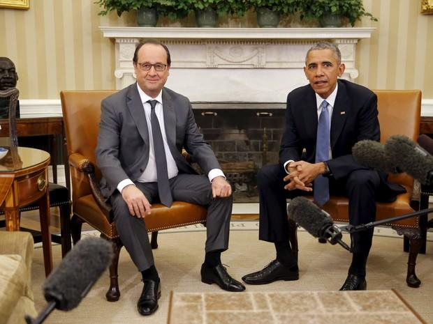 O presidente dos EUA, Barack Obama, recebe o presidente francês, François Hollande, na Casa Branca nesta terça-feira (24) (Foto: Carlos Barria/Reuters)