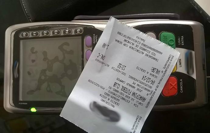 Máquina de cartão de crédito será utilizada até no pagamento de patrocínios  (Foto: Ted Eduardo de Alencar / Arquivo pessoal)