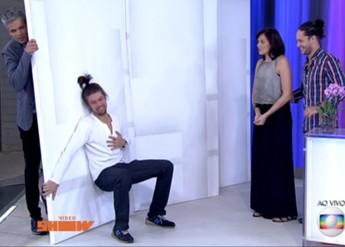 Raphael improvisa no Vídeo Show (Foto: Vídeo Show/TV Globo)