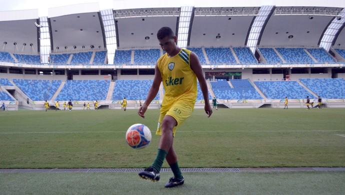 Piúba, volante do Alecrim (Foto: Jocaff Souza/GloboEsporte.com)
