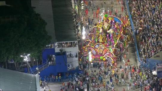 Polícia investiga acidentes com carros alegóricos no Carnaval do Rio