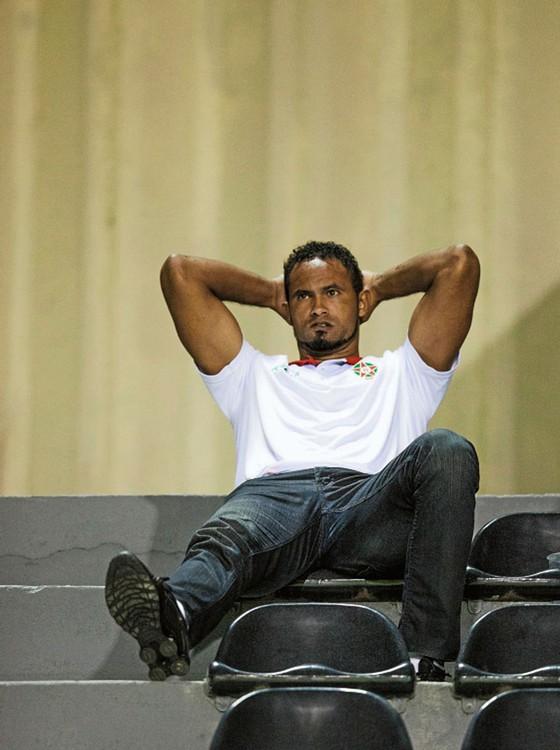 Bruno assiste a vitória do Boa no estádio do Melão.Entre os torcedores,não se vê resistência ao nome dele (Foto: Rogério Cassimiro/ÉPOCA)