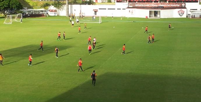 treino coletivo do Vitória (Foto: Ruan Melo)