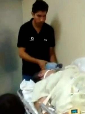 Mulher ficou horas no corredor de hospital em Sorocaba (Foto: Reprodução/TV TEM)