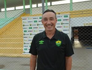 Técnico do Cuiabá, Roberto Fonseca diz estar confiante para jogo (Foto: Jheniffer Núbia/ Globo Esporte)