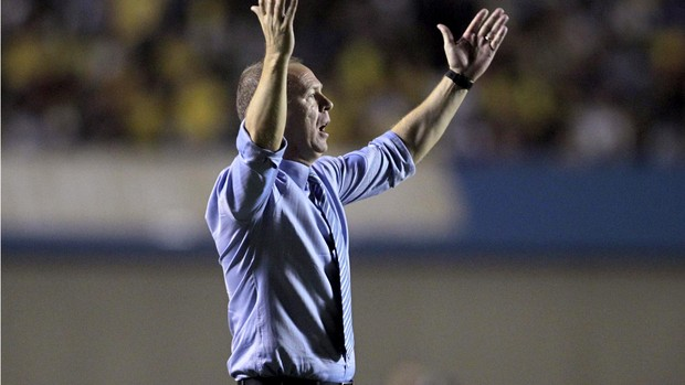 Mano menezes brasil x Argentina (Foto: Agência Reuters)