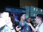 Ronaldinho Gaúcho volta à Sapucaí após curtir todas no dia anterior