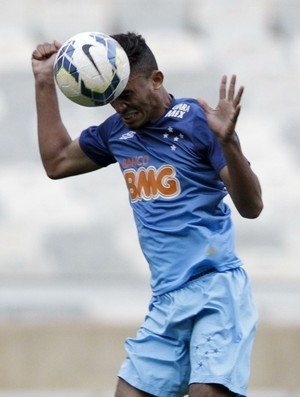 Eurico, volante do Cruzeiro (Foto: Washington Alves/ Light Press)