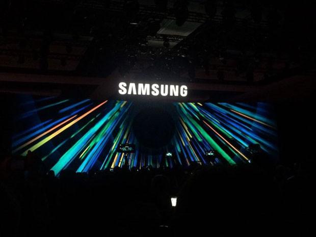 Samsung anunciou que Gear S2 será compatível com iOS (Foto: Helton Simões Gomes/G1)