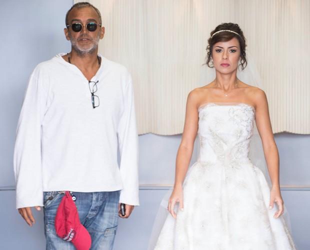 Andreia Horta ao lado do diretor Rogério Gomes, o Papinha (Foto: Raphael Dias/TV Globo)