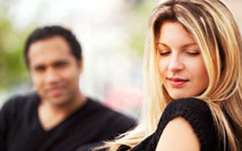 Como seduzir uma mulher: curso ensina técnicas aos homens