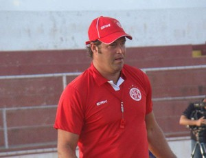 Técnico Roberto Fernandes do América de Natal (Foto: Caninde Soares / America de Natal)