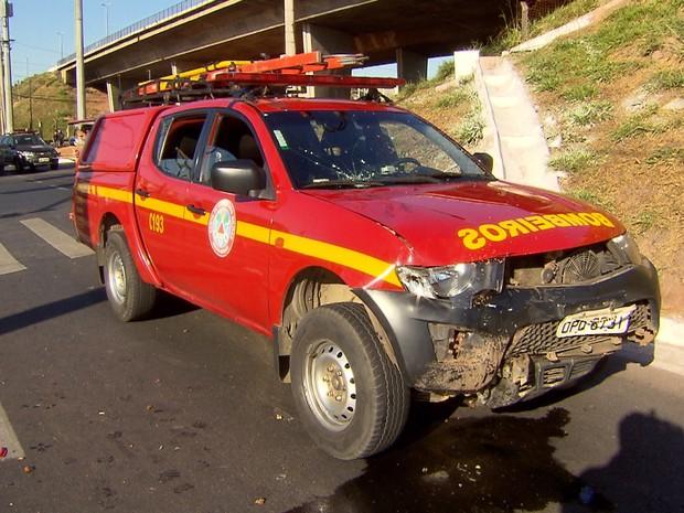 Acidente aconteceu no Anel Rodoviário de Belo Horizonte (Foto: Reprodução/TV Globo)