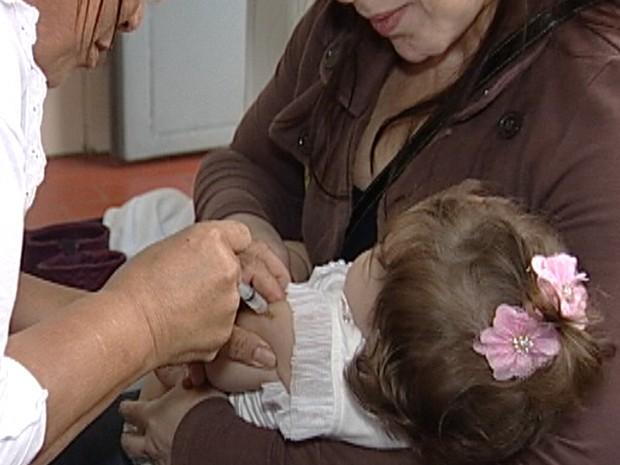 Vacina hepatite A Uberaba imunização (Foto: Reprodução/ TV Integração)