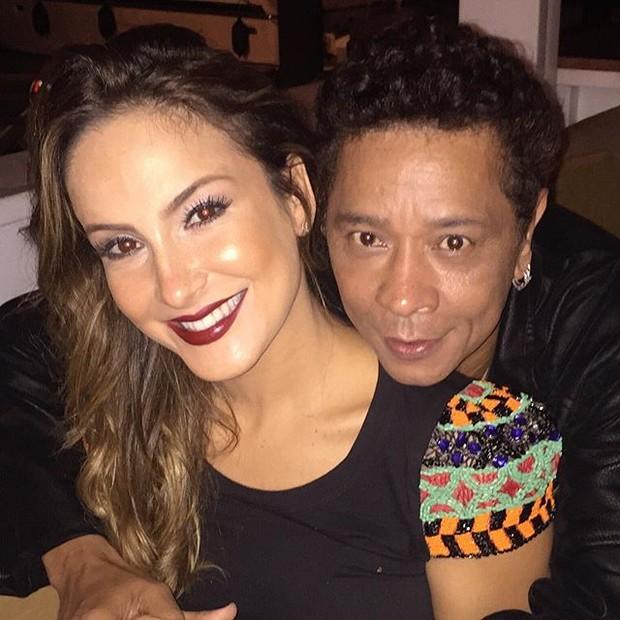Claudia Leitte e o maquiador Zezinho Santos em restaurante em Salvador, na Bahia (Foto: Instagram/ Reprodução)