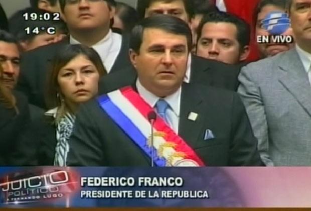 O novo presidente do Paraguai, Federico Franco, discurso ao tomar posse nesta sexta-feira (22) no Congresso (Foto: Reprodução de vídeo)