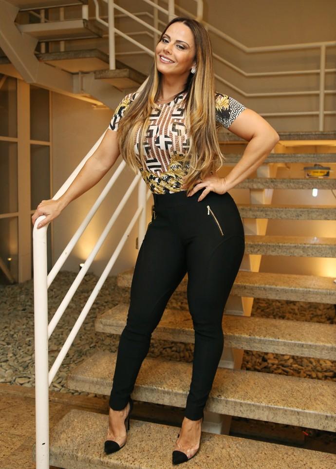 Viviane Araújo arrasa no figurino para o Altas Horas (Foto: Carol Caminha/Gshow)