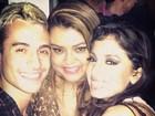 Com o namorado, Preta Gil posa com Anitta após show