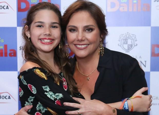 Heloísa Périssé e a filha caçula, Antonia (Foto: Roberto Filho/Brazil News)