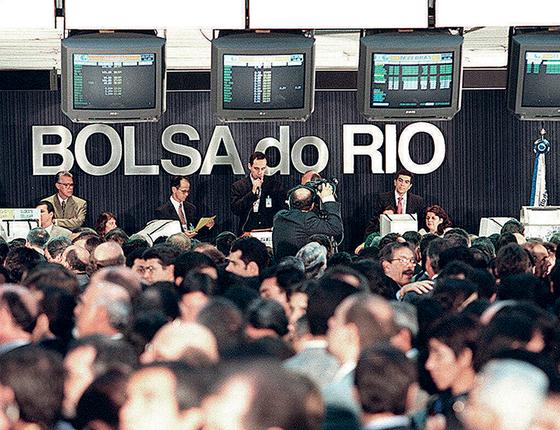 Privatização da Telebras  em 1998 (Foto: Cleo Velleda/Folhapress)