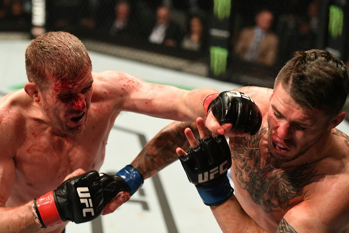 Daniel Kelly venceu Chris Camozzi por decisão unânime (29 a 28, 29 a 27, 30 a 27) (Foto: Getty Images)