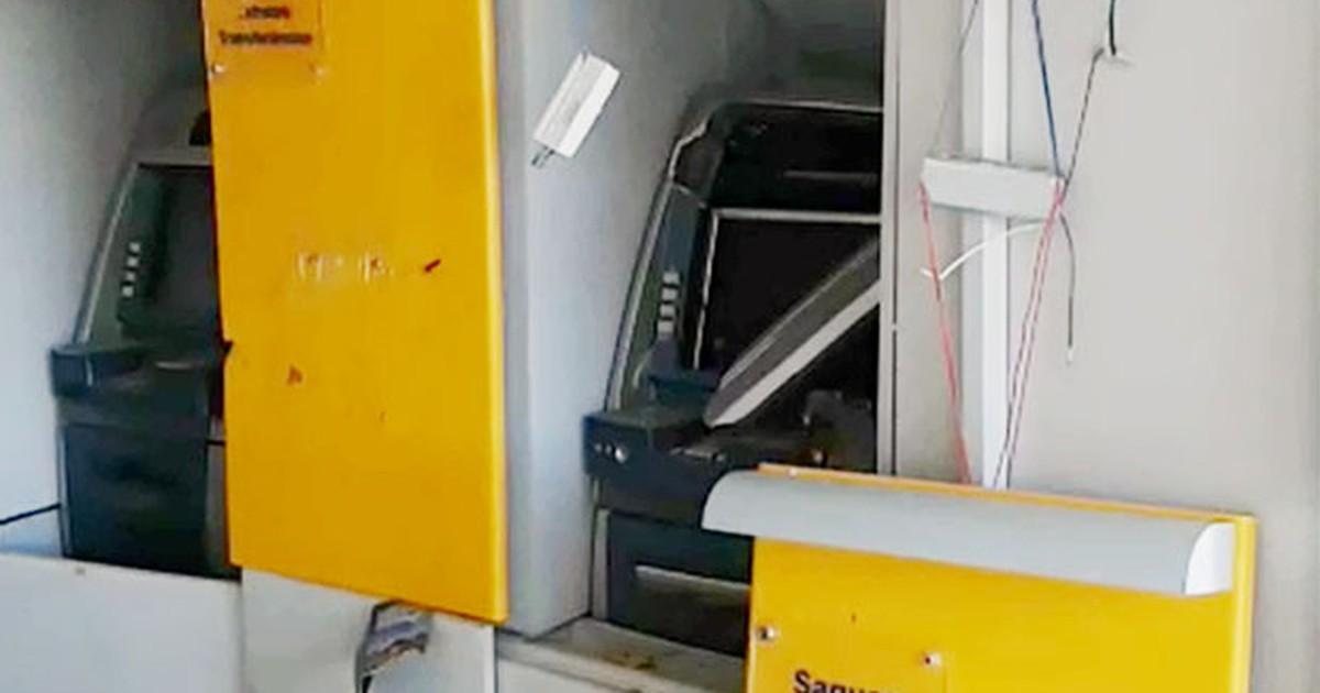 Criminosos explodem caixas em 2 agências bancárias de Alpinópolis - Globo.com