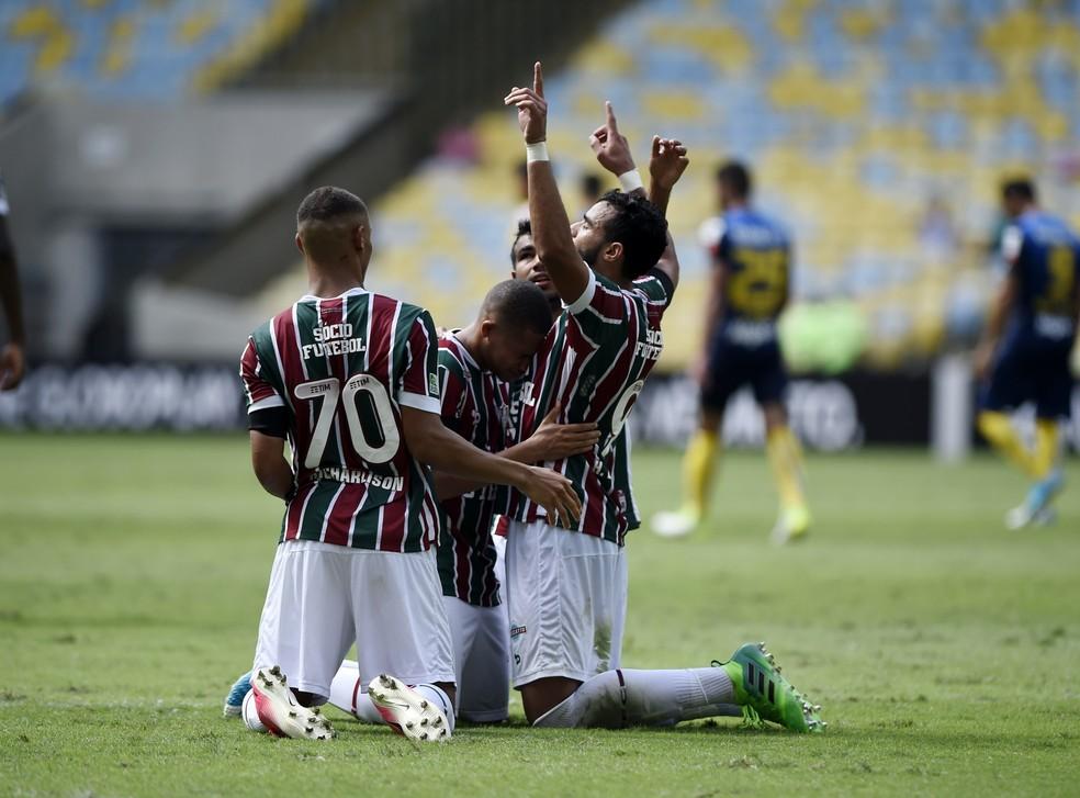 Comemoração do gol de pênalti de Henrique Dourado, do Fluminense, contra o Santos (Foto: André Durão)