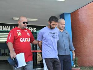 Josias Alves foi encaminhado à Cadeia Pública Raimundo Vidal Pessoa (Foto: Sérgio Rodrigues/ G1 AM)