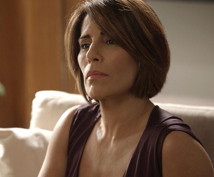 Beatriz está cada vez mais acuada (Foto: TV Globo)