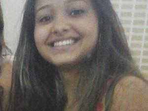 Evelyn Janaína Cordeiro de Oliveira tinha 17 anos (Foto: Arquivo Pessoal)