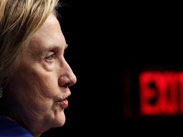 Democrata Hillary Clinton fala durante evento de gala da Children's Defense Fund, em Washington, na quarta-feira (16) (Foto: Joshua Roberts/ Reuters)