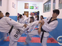 Na terra de Julia Vasconcelos, dupla vende trufas para competir taekwondo