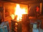 Fábrica de móveis pega fogo na Avenida da Moda em Passos, MG