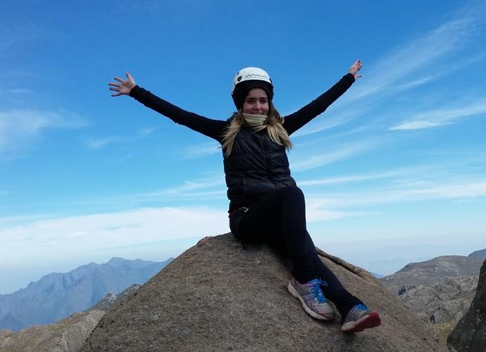 Diana Sabadini foi desafiada a chegar no cume do Pico das Agulhas Negras (Foto: Plugue)